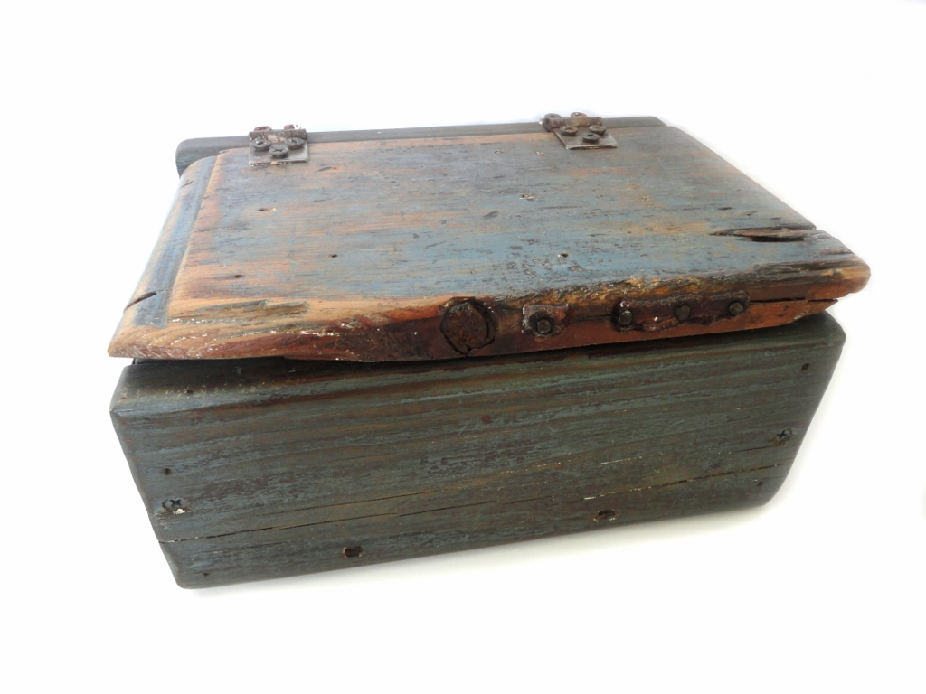 tnbc designs 1700's reclaimed wood keepsake box